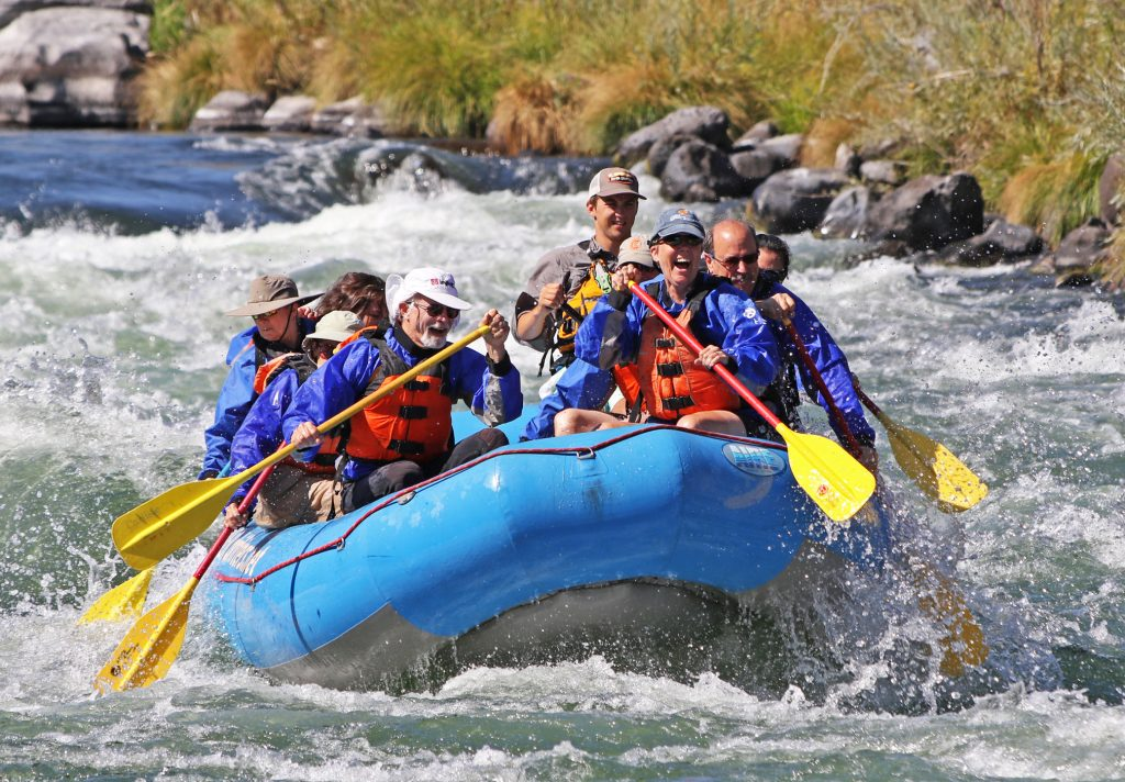 Family Rafting The Lower Deschutes River
